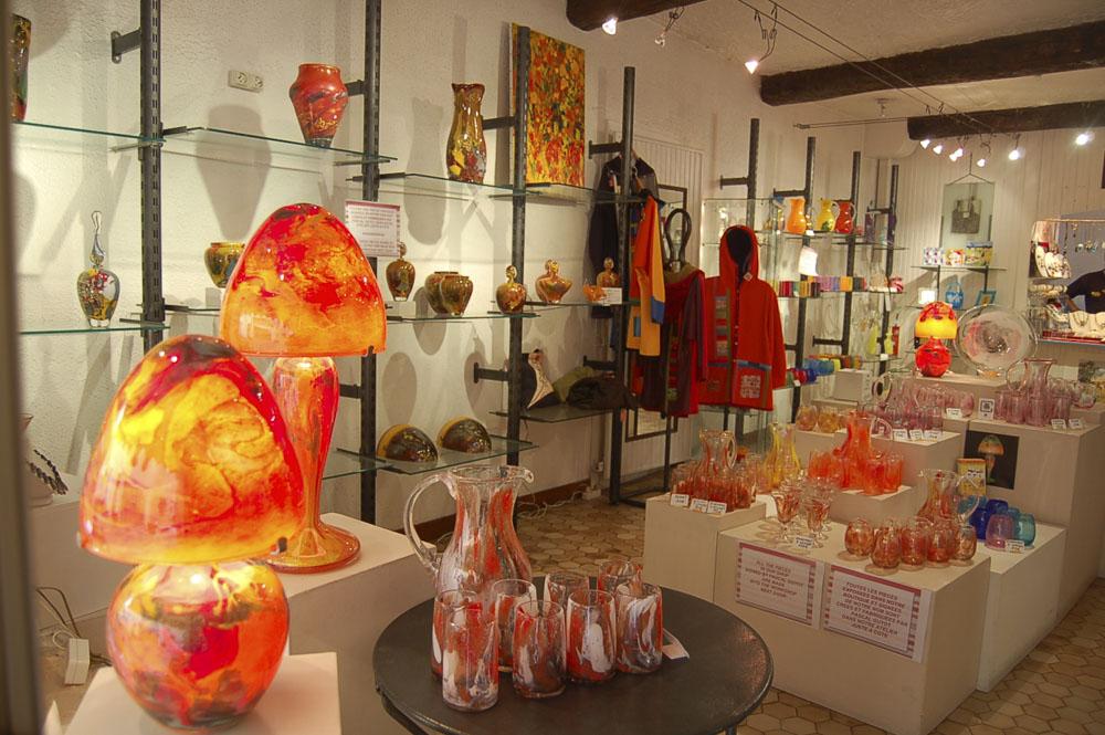 06_Biot shops270
