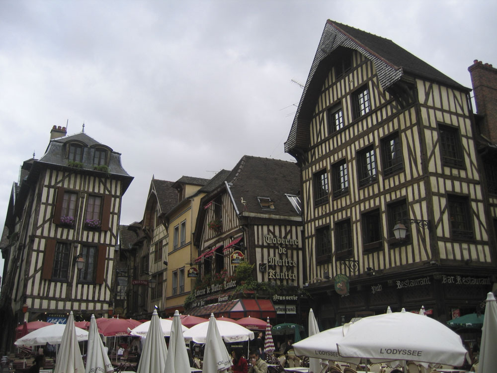 10_Troyes1157