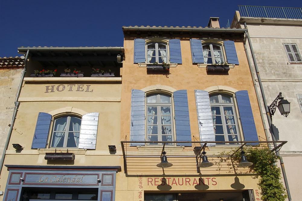 13_Arles825