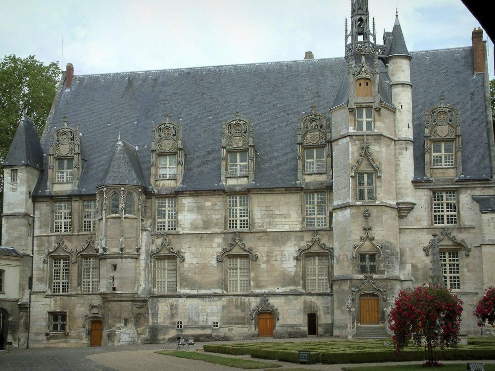 60_Beauvais561