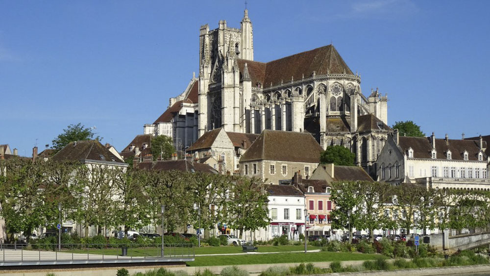 89_Auxerre1285