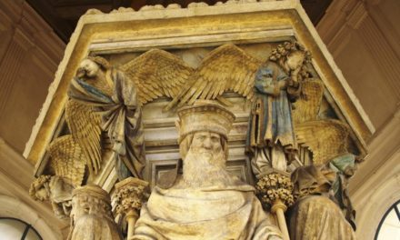 3. Le Puit de Moise in Dijon