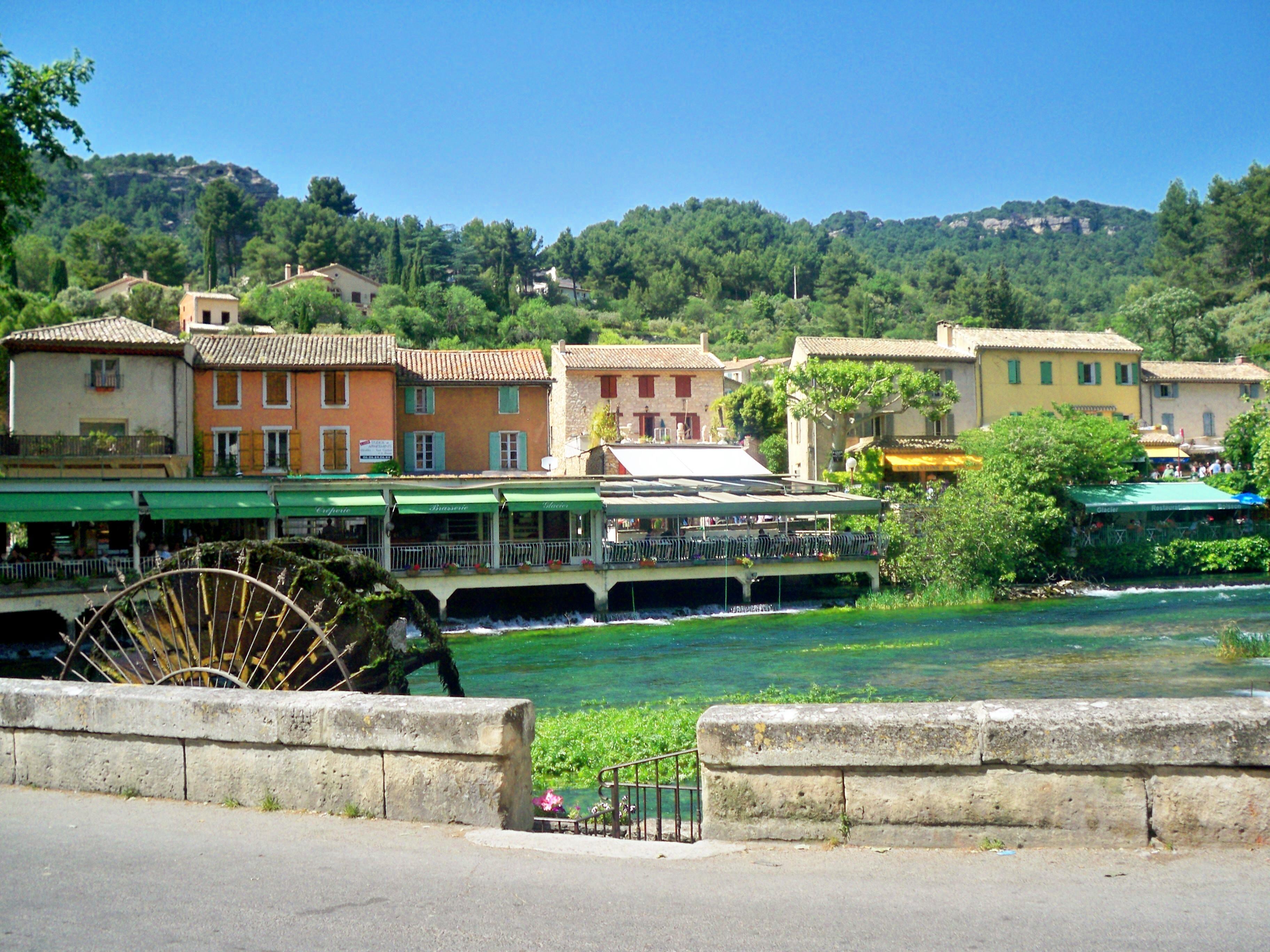 Fontaine_de_Vaucluse[1]